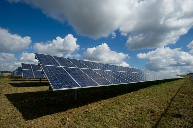 Hoe werkt een powerbank op zonne-energie